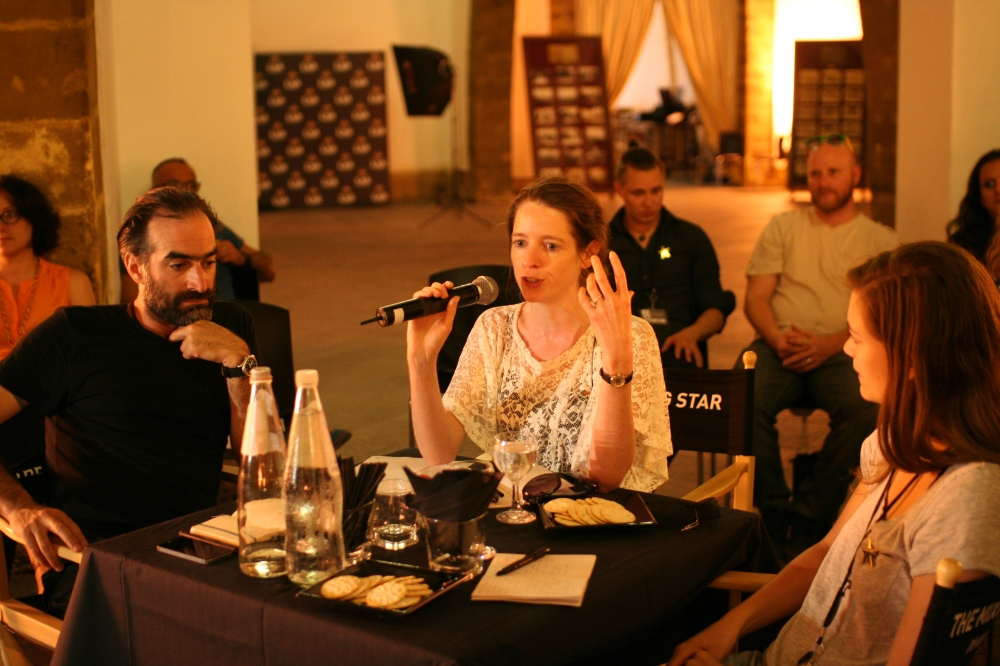 Tony Conigliaro, Rachel Edwards-Stuart and Tess Posthumus commenting on the flavours of the contestants' cocktails.
