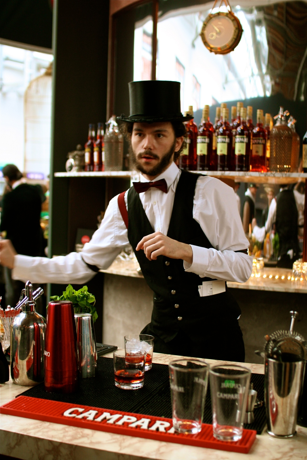A sartorially stirred Negroni, sir? Certainly, sir.
