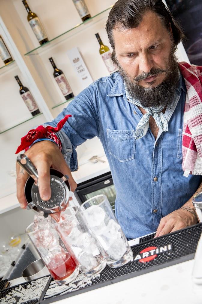 Italian bartender = natural born sprezzatura. Daniele Dalla Pola